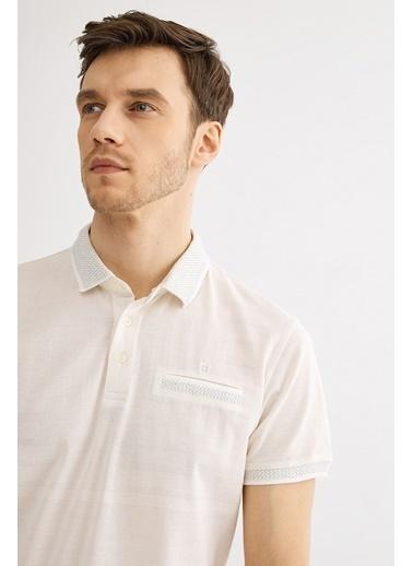 Avva Erkek  Polo Yaka Düz Cepli Tişört A01Y1039 Ekru